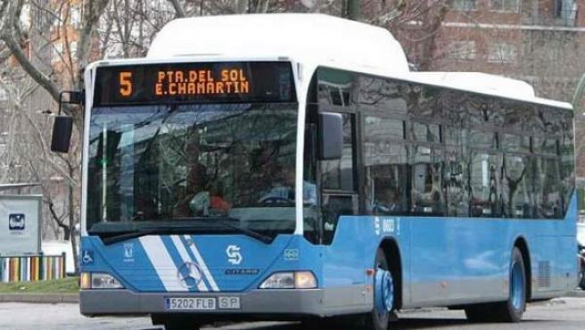 Imagen de archivo de un autobús urbano de Madrid.