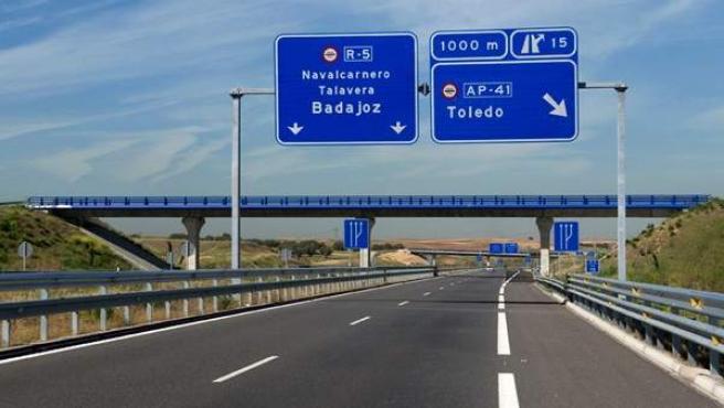 Carteles indicativos de la Radial 5 de Madrid.