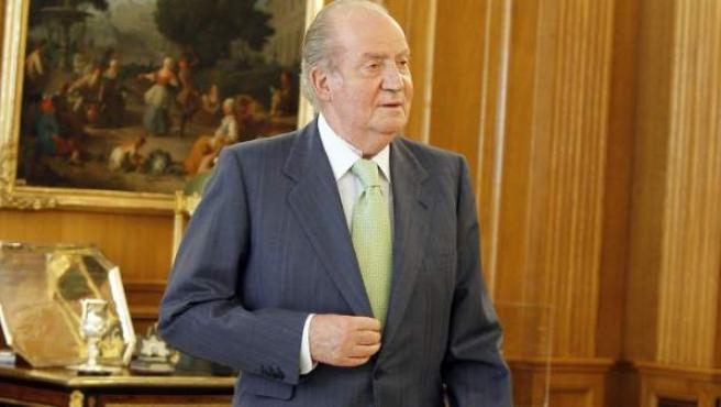 El rey Juan Carlos con una muleta, en una imagen de archivo.