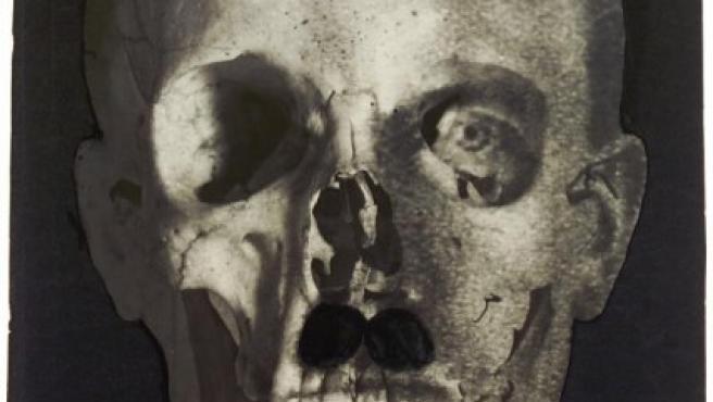 Uno de los fotomontajes de 1933 de Blumenfeld sobre Hitler