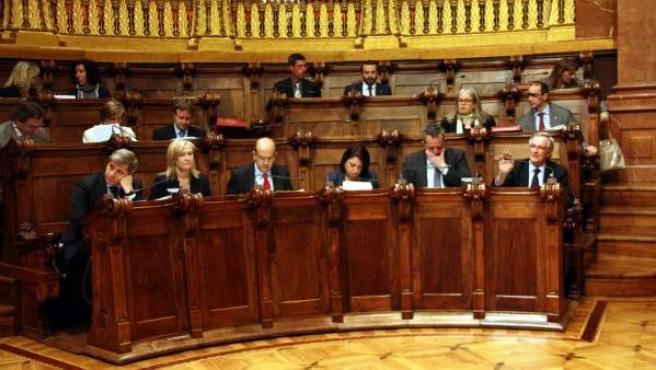 Els grups del PPC i de CiU en un Plenari de l'Ajuntament de Barcelona.