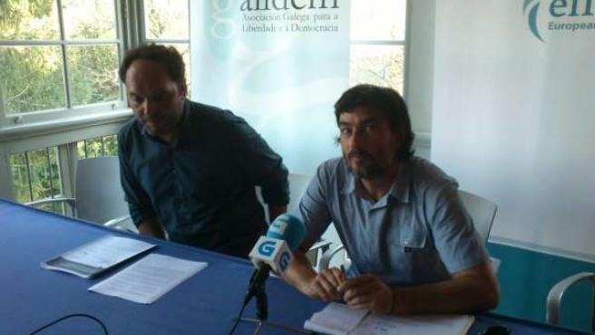 Fernando del Río y Francisco Xavier Lores de la facultad de Económicas de la USC