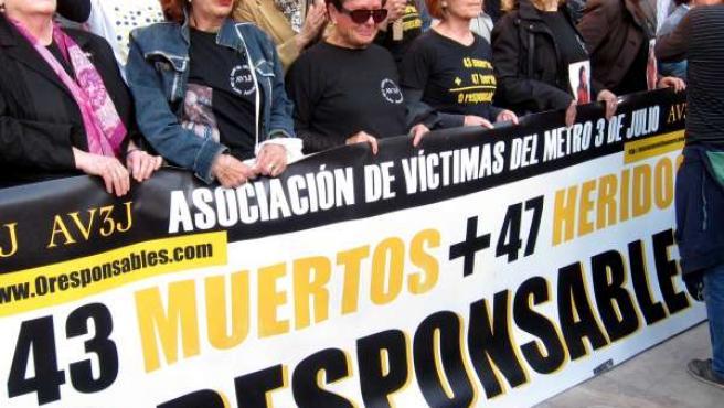 Concentración Asociación Víctimas del Metro 3 de Julio
