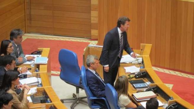 Feijóo durante una sesión de control en el pleno del Parlamento