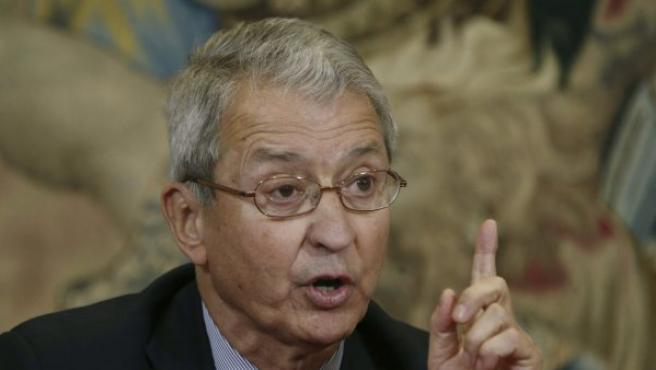 Miguel Cabanela, durante la rueda de prensa de este viernes para explicar la próxima operación del rey.