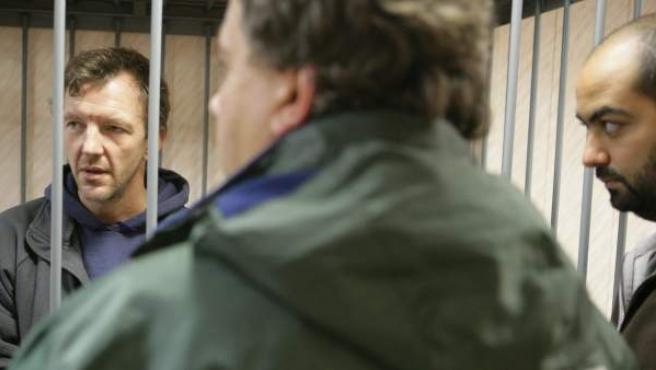 El activista de Greenpeace Internacional, el británico Phillip Ball, detenido en una Corte del Distrito de Leninsky.