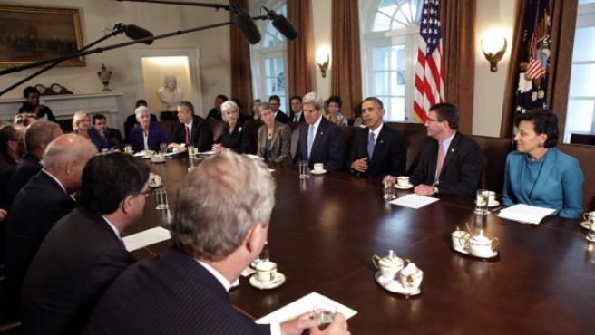 Barack Obama encabeza una reunión donde se discute el cierre parcial del Gobierno en Washington, DC.