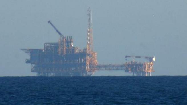 Imagen de la plataforma ubicada en el Delta del Ebro del proyecto Castor, para almacenar gas en el subsuelo, cuyos trabajos han disparado la actividad sísmica y la preocupación entre los habitantes de la zona.