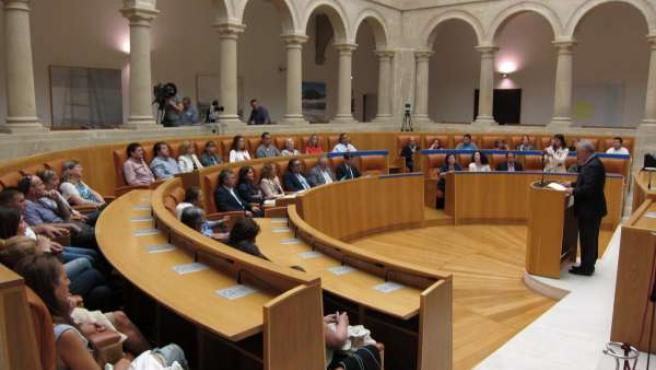 Acto de Arpanih en el Parlamento riojano