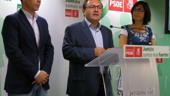 Los socialistas José Bernal, Miguel Ángel Heredia y María Gámez