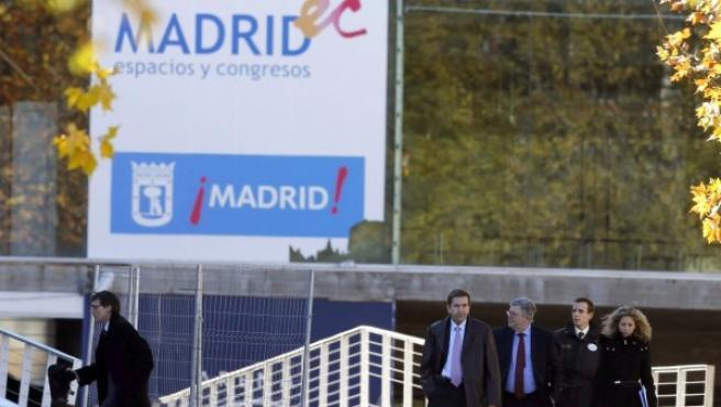 El juez Eduardo López Palop (tercero por la izquierda), durante la inspección ocular del Madrid Arena en una imagen de archivo.