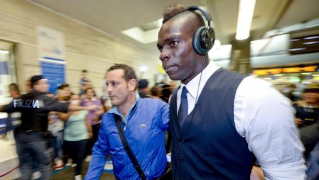 Balotelli, a su llegada a Nápoles.