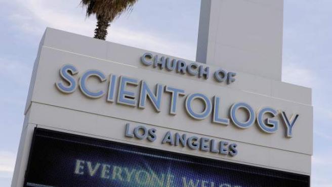 Vista frontal de una Iglesia de la Cienciología en Los Angeles, California, Estados Unidos.