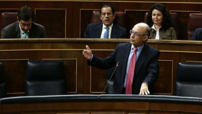 Ministro de Hacienda, Cristóbal Montoro, en el Congreso
