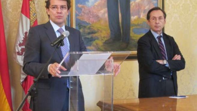 Mañueco Presenta Al Secretario General De Cooperación, Gonzalo Robles