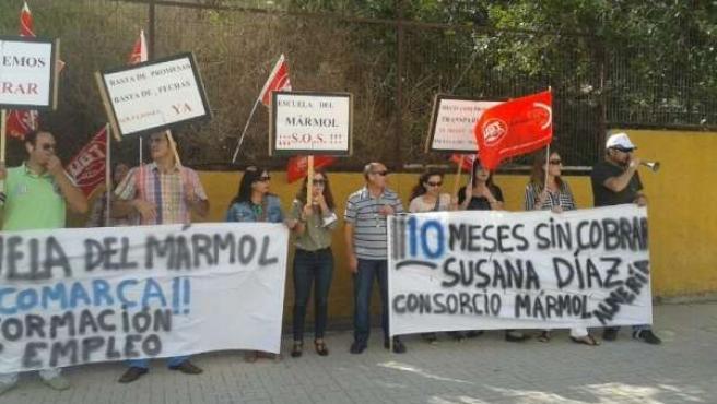Protesta ante la delegación de Educación
