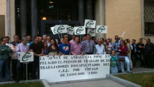 Concentración de trabajadores del Centro Especial de Empleo de Jaén