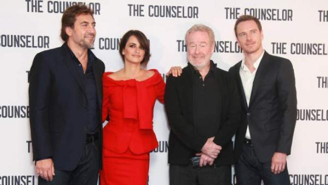 Javier Bardem, Penélope Cruz, Ridley Scott y Michael Fassbender en la presentación de 'El Consejero', en Londres.
