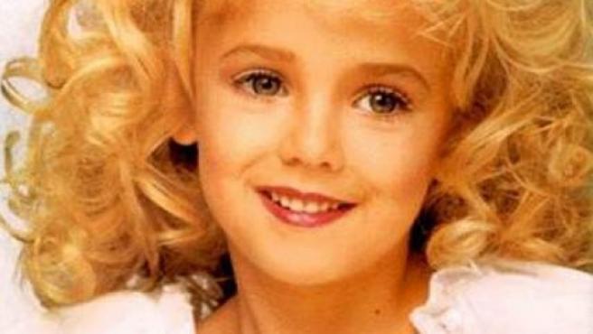 JonBenét Patricia Ramsey, reina de belleza infantil que fue hallada muerta en el sótano de la casa de sus padres.