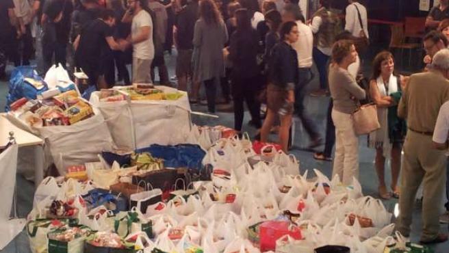 Una tonelada de alimentos recogidos por TrampaTeatre y la AAVV Canamunt