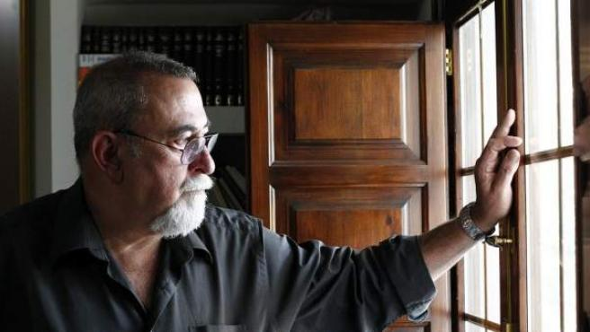 El profesor Sandín prefirió jubilarse de la docencia antes de la llegada del Plan Bolonia.