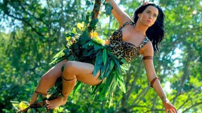 Katy Perry en el videoclip 'Roar', perteneciente a su disco 'Prism'.
