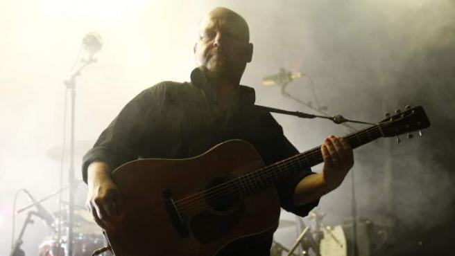 Francis Black, cantante de la banda estadounidense de rock alternativo Pixies, una de las influencias fundamentales de Nirvana, durante el concierto ofrecido en La Riviera (Madrid).