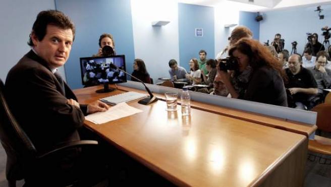 El vicepresidente y Portavoz del Gobierno Valenciano, José Ciscar, durante la rueda de prensa posterior al Pleno del Consell.