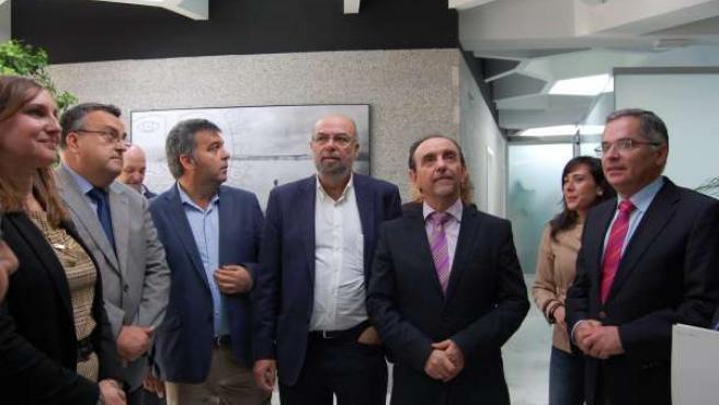 El consejero Rafael Rodríguez inaugura una oficina de turismo en Algeciras