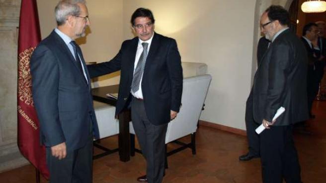 Sileoni junto a Hernández
