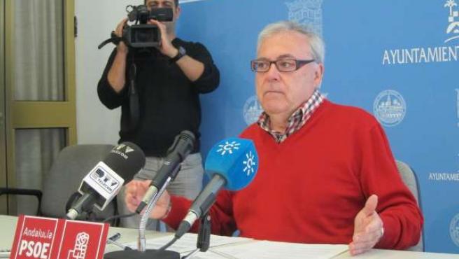 Emilio Aumente en la rueda de prensa