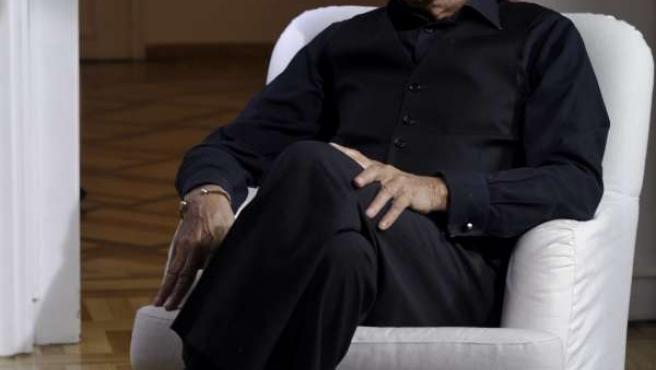 El diseñador Elio Berhanyer en una imagen del documental