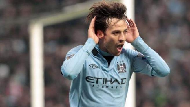El mediocentro del Manchester City, David Silva, durante la celebración de un gol.
