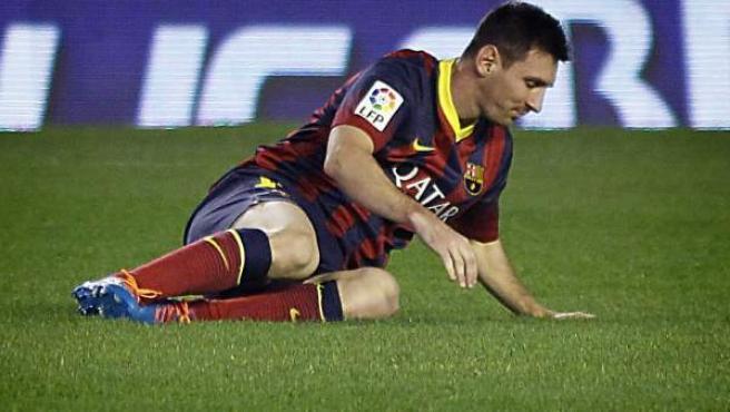 Leo Messi, lesionado en el partido ante el Betis.