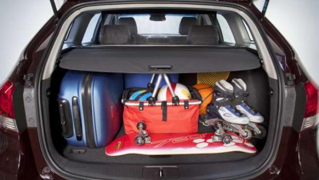 Maletero, coche, vehículo, automóvil, maleta, maletas, viaje, traslado