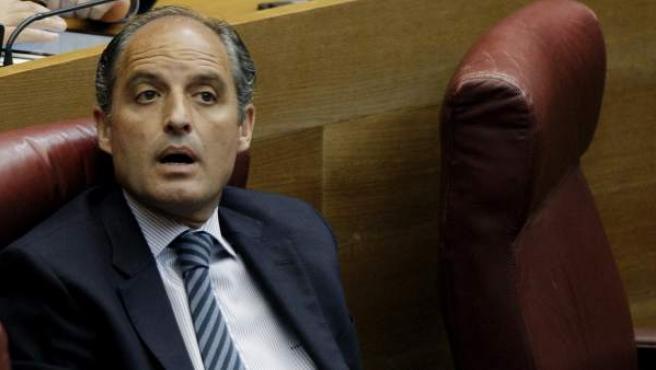 Francisco Camps, este miércoles en su escaño de Les Corts Valencianes.