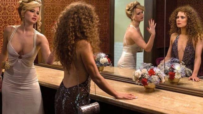 'American Hustle': Nuevas fotos y primer clip con Jennifer Lawrence y Christian Bale