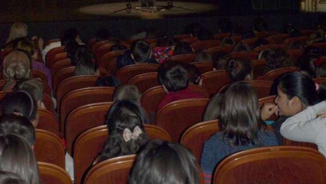 Fernández Mañueco en el Teatro Liceo de Salamanca con los participantes