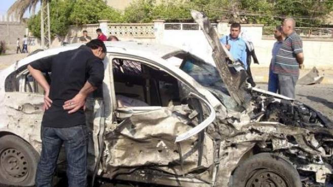 Imagen de archivo de una coche bomba en Irak.
