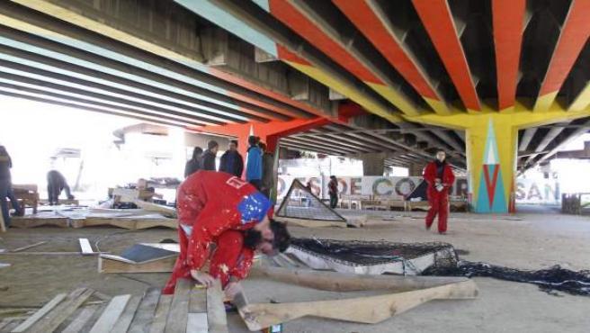 El colectivo Basurama ha creado un nuevo espacio en San Cristobal de los Ángeles (Villvarde).