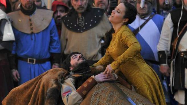 Un momento de la representación de Las Bodas de Isabel, una recreación de la leyenda de los Amantes de Teruel.
