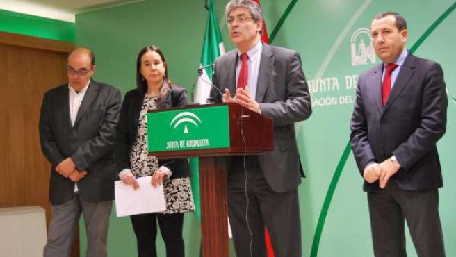 Pérez Ta`pias, junto a Ruiz Espejo y Berlanga.