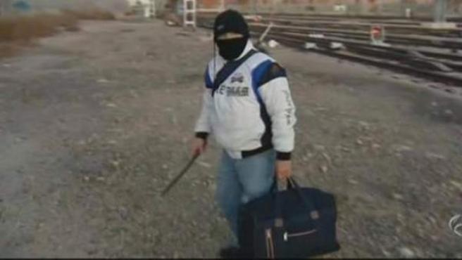 Imagen de vídeo retirado de Antena 3 con las declaraciones a pie de calle tomadas al asesino Miguel Ricart.