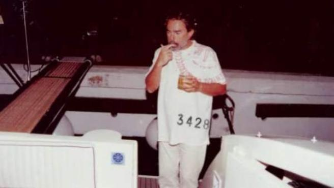 Fotografía del supuesto cabecilla de la trama 'Gürtel', Francisco Correa, en una de las imágenes que muestran el nivel de vida que llevaba y que forman parte del sumario del caso.