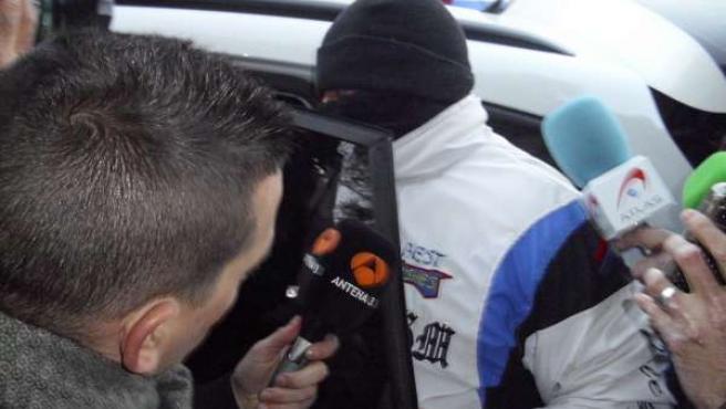 Miguel Ricart saliendo de la cárcel