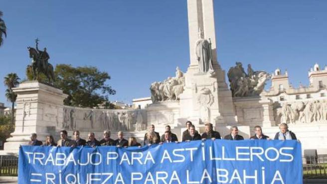 Concentración de la Diputación de Cádiz en apoyo a los astilleros gaditanos