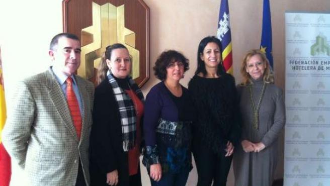 Reunión entre FEHM y Asociación de parados mayores de 45 años