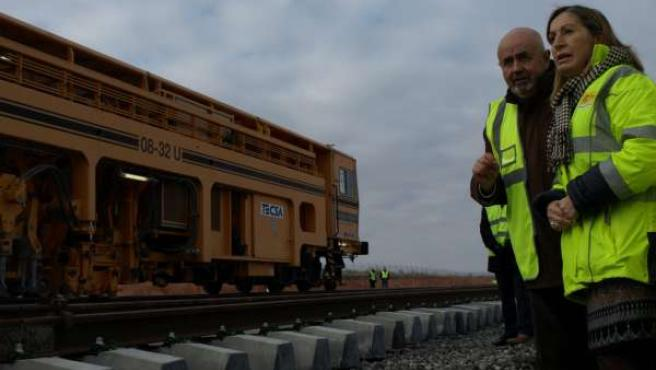 Pastor visita las obras en la conexión ferroviaria Medina del Campo-Salamanca