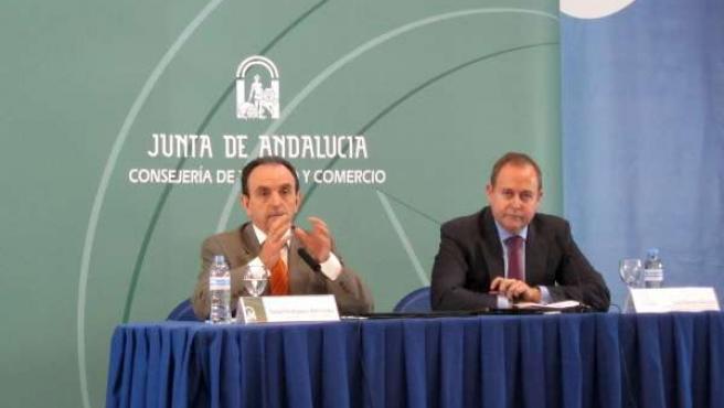 Rafael Rodríguez y el responsable de la CAEA