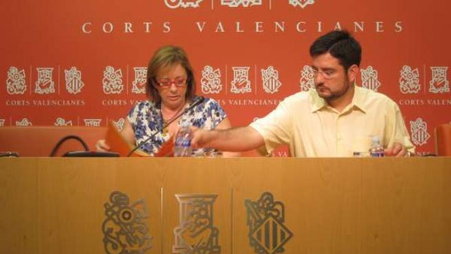 Marga Sanz E Ignacio Blanco En Una Rueda De Prensa